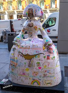 81 Menina Art Pop, Contemporary Artists, Modern Art, Installation Art, Picasso, Barcelona, Spain, Street Art, Public Art