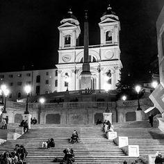 Prospettiva  #piazzadispagna #square #stairs #scalinatatrinitàdeimonti #scalinata #trinita #monti #art #architecture #stone #monument #archilovers #architecturelovers #roma #romacapitale #rome #italy #history #symmetry #perfection #traveltheworld #wanderlust #discoveritaly #nofilter #iphone7 #inrhome #madeinitaly #igersroma #igersitalia #blackandwhite