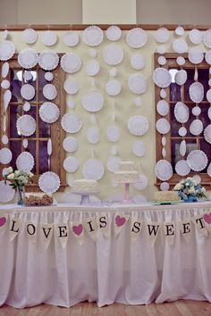 Love the idea of this doily garland backdrop (No tutorial)