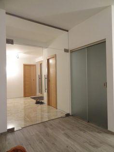 sklenené dvojkrídlové kyvné dvere so svetlíkom Oversized Mirror, Furniture, Home Decor, Decoration Home, Room Decor, Home Furnishings, Home Interior Design, Home Decoration, Interior Design