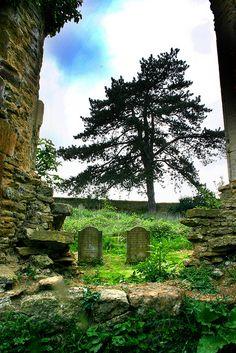 Graveyard of St Johns Church, Boughton, GB