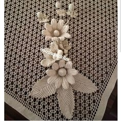 This Pin was discovered by Mar Crochet Doily Rug, Crochet Flower Hat, Form Crochet, Crochet Gifts, Filet Crochet, Russian Crochet, Irish Crochet, Nursery Area Rug, Happy Evening