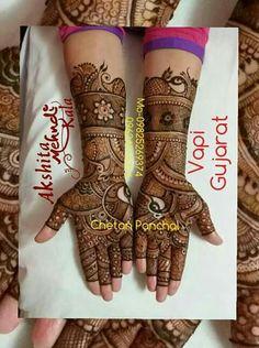 Traditional henna design Traditional Henna Designs, Modern Mehndi Designs, Mehndi Design Pictures, Bridal Henna Designs, Dulhan Mehndi Designs, Beautiful Mehndi Design, Mehndi Images, Mehandi Designs, Henna Mehndi