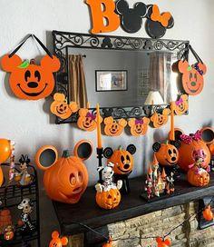 Disney Halloween Decorations, Mickey Halloween Party, Halloween Home Decor, Halloween Birthday, Halloween House, Holidays Halloween, Halloween Kids, Halloween Themes, Halloween Crafts