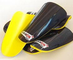 Nos gusta el amarillo ❤️  ¡Protégete cómo los profesionales! 📍 www.carbonplus.es 📧 info@carbonplus.es 📞 688906884 #100x100carbono #espinilleras #love #instagood #photooftheday Golf Bags, Love, Sports, Carbon Fiber, Yellow, Amor, Hs Sports, El Amor, Sport