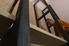 De master bedroom van ons eigen huis is af! - Eigen Huis en Tuin Houten frame zwart verven waardoor staal lijkt. Planken blank hout laten. Zowel in inloopkast als in bijkeuken doen.