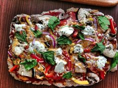 Μεσογειακή και υγιεινή συνταγή για πίτσα!