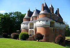 Chateau fort de rambures en picardie