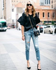 f832c3ad9b MOM Jeans  cómo combinar este básico complicado de llevar