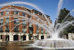 Charleston, South Carolina: A fountain in a public square in scenic Charlston.