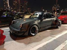 RWB at Tarumi parking Rauh Welt, Classy Cars, Jdm, Nissan, Euro, Porsche, Japan, Vehicles, Modified Cars