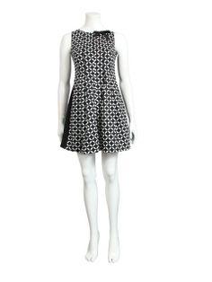 Zwarte jurk met witte print - Korte jurken - BoBo Tremelo