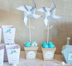 Más Chicos: 25 Ideas para decorar un Baby Shower de varón Ideas Bautismo, Baptism Decorations, Baby Shawer, Holidays And Events, Twinkle Twinkle, Gift Wrapping, Place Card Holders, Party, Gifts
