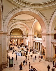 "Vogue's Creative Director Jillian Davison's style essentials  Gallery hopping ""The Metropolitan Museum of Art is my favourite destination in New York."""