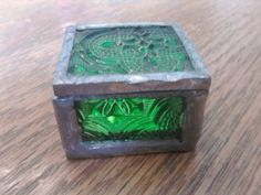 Little vintage trinket box