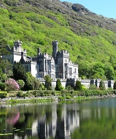 Travel to see Kylemore Abbey, Ireland