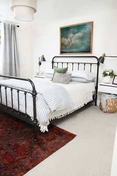 25 Cool Black Wrought Iron Bed Frame Designs Bedroom - Page 6 of 27 Home Bedroom, Bedroom Furniture, Master Bedroom, Bedroom Decor, Bedroom Ideas, Bedding Decor, Teen Bedroom, Bedroom Styles, Rustic Bedroom Design