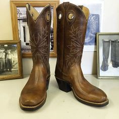 Custom Cowboy boot. Nut brow uppers and vamps. #beckcowboyboots #beckboots #customboots #boots #cowboyboots #handmadecowboyboots #madeintexas
