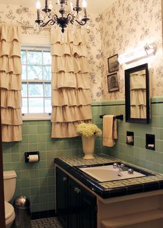 Because 50s powder blue tile bathrooms need love too.