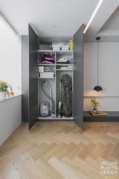 Cleaning Cupboard, Cleaning Closet, Hallway Storage, Laundry Room Storage, Laundry Room Layouts, Small Balcony Decor, Unique House Design, Laundry Room Design, Küchen Design