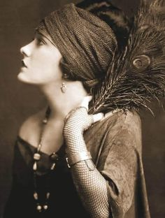 1920s Gypsy Style #vintage #antique/beautiful wonder what colors she;s wearing