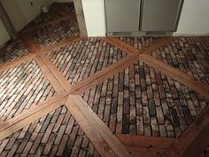 Reclaimed brick veneer - Brick veneer is a layer of thin brick masonry installed over an underground providing structural support. You see the brick veneer End Grain Flooring, Unique Flooring, Brick Flooring, Flooring Ideas, Floors, Penny Flooring, White Flooring, Garage Flooring, Terrazzo Flooring