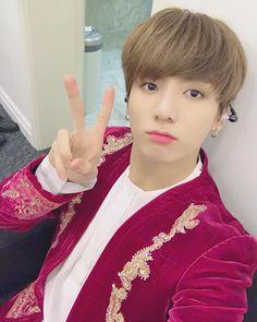 "873 Likes, 20 Comments - 𝐉𝐔𝐍𝐆𝐊𝐎𝐎𝐊""♡ ⁷ Jungkook Selca, Taehyung, Kookie Bts, Namjoon, Jung Kook, Wattpad, Fanfiction, Kaisoo, Kpop Guys"