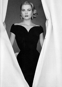 Grace Kelly. We need more Grace Kelly, less Miley Cyrus, please God.