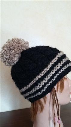 berretto nero cammello ponpom
