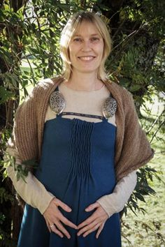 Awesome reconstruction of the front-pleated apron-dress, based on this research article: http://urd.priv.no/viking/kostrup.html