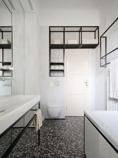 + Metamorphosis of an old bathroom | Design: IFUB