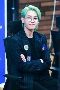 190422 - Jung Ilhoon @Idol radio #Ihoon #BTOB #비투비 Btob Ilhoon, Im Hyunsik, Lee Changsub, Lee Minhyuk, Writing Lyrics, Baby Kiss, Kpop Groups, Rapper, Idol