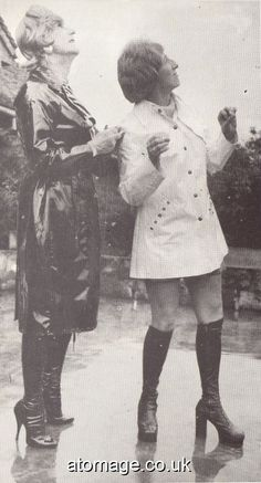Vintage Boots, Vintage Leather, Vintage Outfits, Sexy Boots, Cool Boots, Stylish Older Women, Rubber Raincoats, Rain Wear, Vintage Pictures