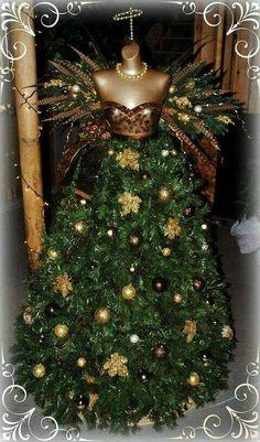 2019 Dress Form Chrismas Tree Decoration Ideas - Page 5 of 7 - Vida Joven Dress Form Christmas Tree, Beautiful Christmas Trees, Noel Christmas, Holiday Tree, Xmas Tree, Christmas Christmas, Vintage Christmas, Maniquin Christmas Tree, Christmas Projects