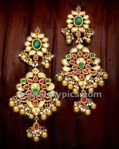 Gold Jewelry In Italy Bijoux Design, Gold Jewellery Design, Schmuck Design, Gold Jewelry, Jewlery, Halo, Gold Earrings Designs, Jhumka Designs, Necklace Designs