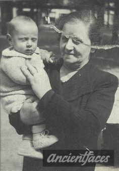 Leon Herbstmann murdered in the gas chamber in Auschwitz at age 4 months with his mother, grandmother and older brother Maurice. ~So sad a child was murdered that young~ :'( We Will Never Forget, Lest We Forget, Never Again, Innocent Child, Losing A Child, Child Face, Anne Frank, Yesterday And Today, Historia