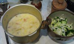 ハムブログ: 昨日はホワイトシチューを作った。めずらしく牛乳があったのでちゃんと牛乳を入れたから正式である。