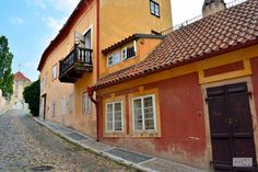 charming houses behing Loreta
