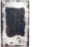 Apparenze 2  2009 Stele cm 36x24  Ceramica -  Mix di terre raccolte in toscana e refrattari.  La superficie è lucidata a tratti con agata.  Cottura effettuata a cielo aperto. By Giovanni Maffucci