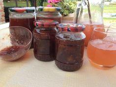 Egrešový sirup a egrešový džem - Recept Salsa, Jar, Food, Syrup, Salsa Music, Restaurant Salsa, Jars, Hoods, Meals