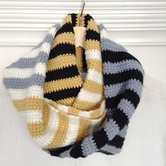 Last year I made my stripey cowl and I've worn it alot, so I thought I would make another - same pattern, fewer colours. Crochet Baby Sweaters, Crochet Scarves, Crochet Shawl, Crochet Yarn, Crochet Stitches, Free Crochet, Crochet Patterns, Crochet Ideas, Crochet Hood