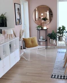 Beautiful surroundings makes great reflections. The pink walls in this Scandinav… Beautiful surroundings makes great reflections. The pink walls in this Scandinavian home makes our Circum mirror in rose tinted glass even more stunning. Living Room Interior, Home Interior Design, Living Room Decor, Bedroom Decor, Decor Room, Kitchen Interior, Pink Walls, Scandinavian Home, Home Decor Inspiration