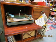 Philco AM/FM Radio Phonograph from 1949 handyman special sold in less than 24 hours for $50