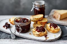 This maple bacon jam is the perfect partner for cheese, and makes a great dairy- and gluten-free edible gift. Find Edible Christmas gifts at Tesco Real Food. Caramelised Onion Chutney, Red Onion Chutney, Caramelized Onions, Edible Christmas Gifts, Edible Gifts, Christmas Recipes, Xmas Food, Christmas Cooking, Christmas Kitchen