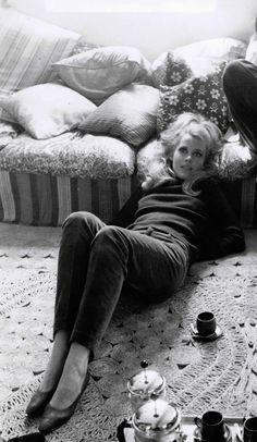 LAYOVER - Jane Fonda