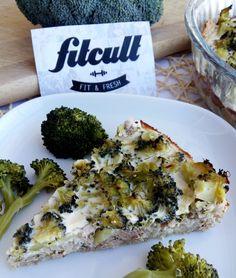 Francouzský slaný koláč s tuňákem, sýrem a brokolicí