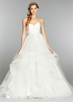 Hayley Paige Londyn wedding dress. So romantic!