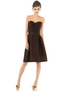 A very simple but elegant dress.  Alfred Sung Style D536