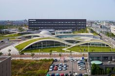 Science Hills Komatsu is a newly-built science museum, designed by Japan-based UAo, that looks like a modern rendition of the Hobbit Home.