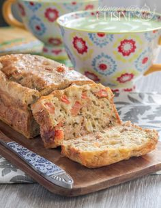 Cake salé thon et tomate - Amour de cuisine Cake salé thon et tomate - Amour de cuisine Cookie Recipes From Scratch, Easy Cookie Recipes, Cake Recipes, Recipes Using Rotisserie Chicken, Easy Chicken Recipes, Tomato Cake, Cooking Tomatoes, No Cook Desserts, Ramadan Desserts
